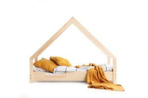 Dřevěná postel TOLA