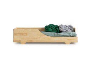 Dřevěná postel CARO