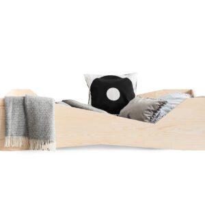 Dřevěná postel GEO
